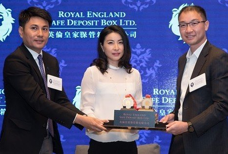Olympic Gold Medalist Guo Jing-jing Becomes Our Valued Customer of Royal England Safe Deposit Box